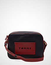 Tommy Hilfiger Iconic Camera Bag Leather Cb