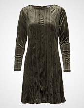 Saint Tropez Plisse Velvet Dress