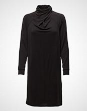 Saint Tropez Dress W. Draped Neck