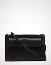 Filippa K Ellie Leather Shoulder Bag
