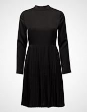 Moves Larni Dress