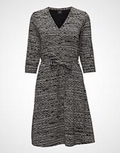 Nanso Ladies Dress, Nuudeli