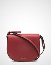 Calvin Klein Metropolitan Saddle,