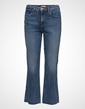 Wrangler Cropped Flare Dancing Days