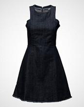 Tommy Jeans Thdw Waistd Tailrd Dnm Dress S/L24