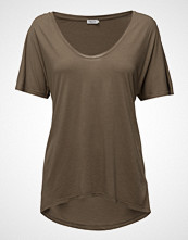 Filippa K Roll Edge Scoop Neck Tee