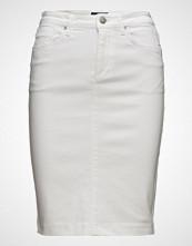 Gant O1. White Denim Skirt