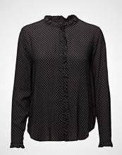 Second Female Milena Shirt