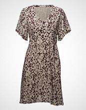 Second Female Leanna Dress