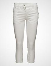Cream Milus 3/4 Pant-Shape Fit