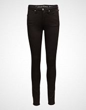 Calvin Klein Sculpted  Skinny-Inf
