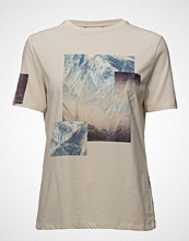 Holzweiler Elind Print Photo Tee T-shirts & Tops Short-sleeved Creme HOLZWEILER
