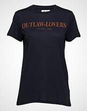 Zoe Karssen Outlaw-Lovers