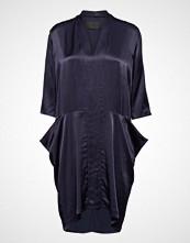 Diana Orving V-Neck Pocket Dress