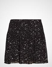 Second Female Larvikit Short Skirt