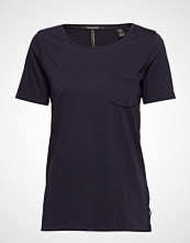 Scotch & Soda Regular Fit Basic Tee With Chest Pocket
