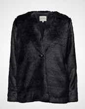 Second Female Pella Jacket