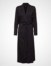 Nanso Ladies Dressing Gown, Hiutale