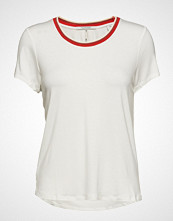 Scotch & Soda Regular Fit Tee With Striped Neck Tape