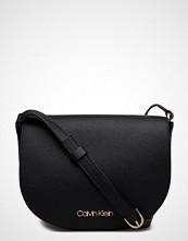 Calvin Klein Neat Medium Saddle