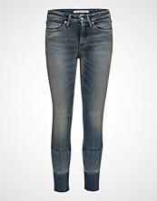Calvin Klein Ckj 011: Mid Rise Skinny West Ankle