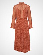 Second Female Allo Dress