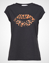 Coster Copenhagen T-Shirt W. Leopard Lips