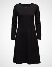 Nanso Ladies Dress, Hehku