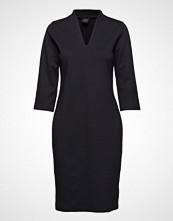Nanso Ladies Dress, Satu