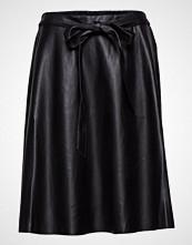Saint Tropez Faux Leather Skirt W Belt