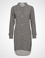 ÁERON Button Cuffed Shirt Dress