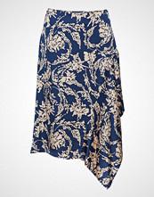Second Female Melt Skirt