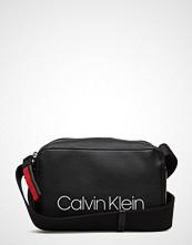 Calvin Klein Collegic Small Cross