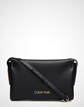 Calvin Klein Frame Ew Crossbody
