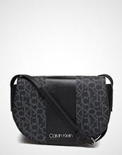 Calvin Klein Mono Block Saddle Ba