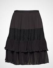 French Connection Clandre Vintage Lace Mix Skirt Knelangt Skjørt Svart FRENCH CONNECTION