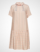 Wood Wood Delphine Dress Knelang Kjole Rosa WOOD WOOD