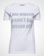 Raiine Rush T-Shirt T-shirts & Tops Short-sleeved Hvit RAIINE