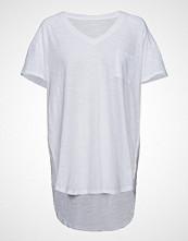Moshi Moshi Mind Dreamy T-Shirt T-shirts & Tops Short-sleeved Hvit MOSHI MOSHI MIND