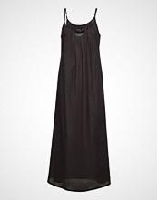 Moshi Moshi Mind Cave Dress Knelang Kjole Svart MOSHI MOSHI MIND