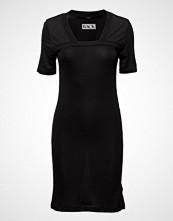 BACK Rib Slash Dress