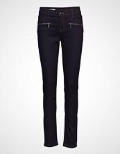 Signal Jeans