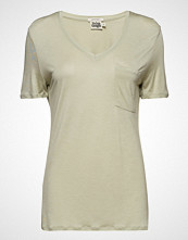 Twist & Tango Iris Pocket Tee T-shirts & Tops Short-sleeved Creme TWIST & TANGO
