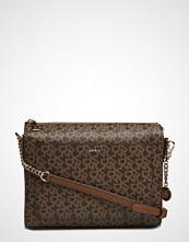 DKNY Bags Bryant Med Bx Crsbdy