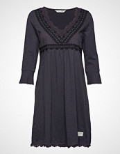 Odd Molly Lace Vibration Dress