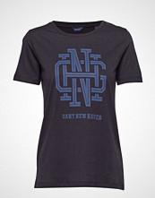 Gant O1. Monogram Ss T-Shirt T-shirts & Tops Short-sleeved Blå GANT