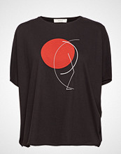 ÁERON Japanese Sleeve T-Shirt