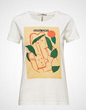 Scotch & Soda Regular Fit Tee With Various Artworks T-shirts & Tops Short-sleeved Hvit SCOTCH & SODA