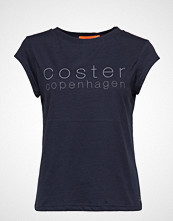 Coster Copenhagen T-Shirt W. Coster Logo T-shirts & Tops Short-sleeved Blå COSTER COPENHAGEN