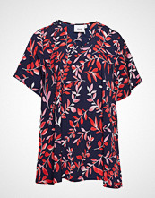 Zizzi Vviola V-Neck, S/S, Blouse T-shirts & Tops Short-sleeved Rød ZIZZI
